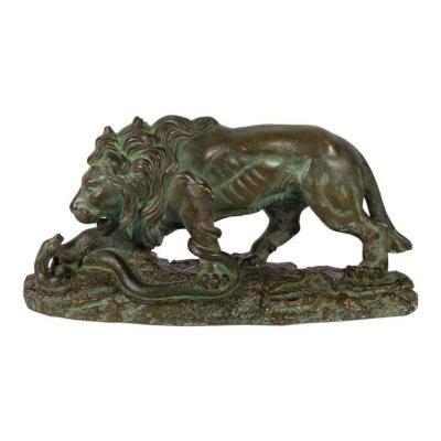 """Sculpture en plâtre à patine bronze """"Le lion et le serpent"""" par Roméo Capovani"""