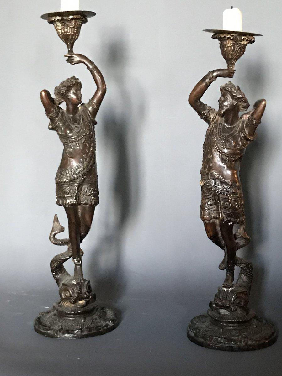 Paire De Bougeoirs  : Sujets En Bronze Neo-renaissance Sur Dauphins