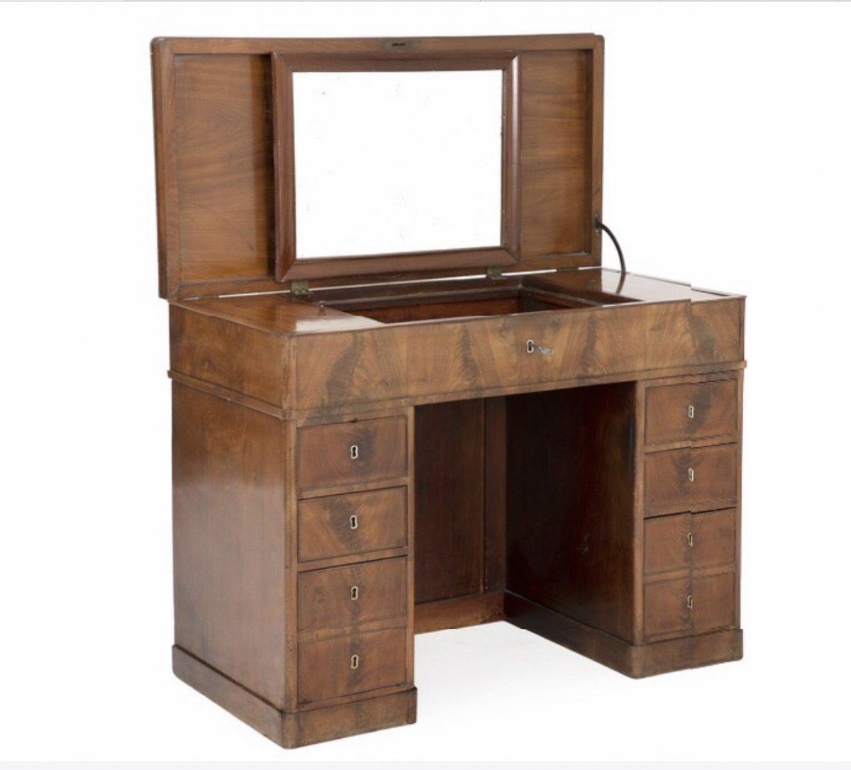 Gentelman's Desk-dressing Table In Light Mahogany For Handsome Interior