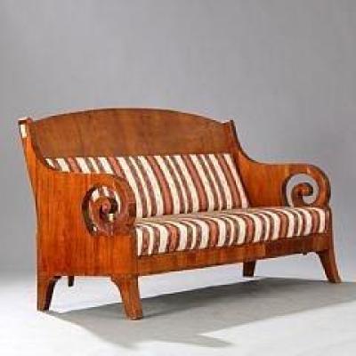Sofa Russe Acajou Blond , Circa 1840