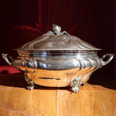 Grande soupière ansée à côtes torses de style Louis XV