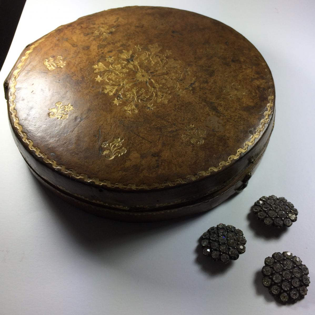 Buttons In Their Leather Golden Box , 18th