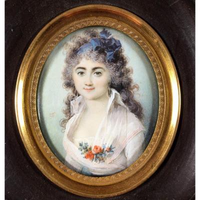 Portrait miniature, jeune femme , XVIIIe  siècle.