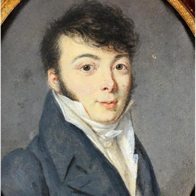 Portrait miniature Empire, jeune homme en redingote, vers 1800