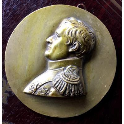 Napoléon Bonaparte. Médaillon Rond En Bronze à Suspendre,