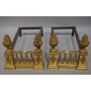 Paire De Larges Chenets En Bronze à Décor De Pommes De Pin, XIXème