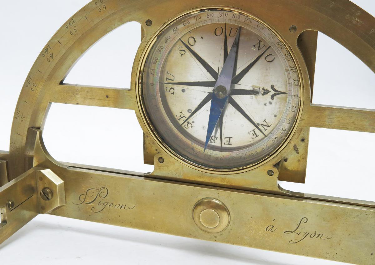 Graphomètre à Pinnules, Vers 1790. Pigeon à Lyon.