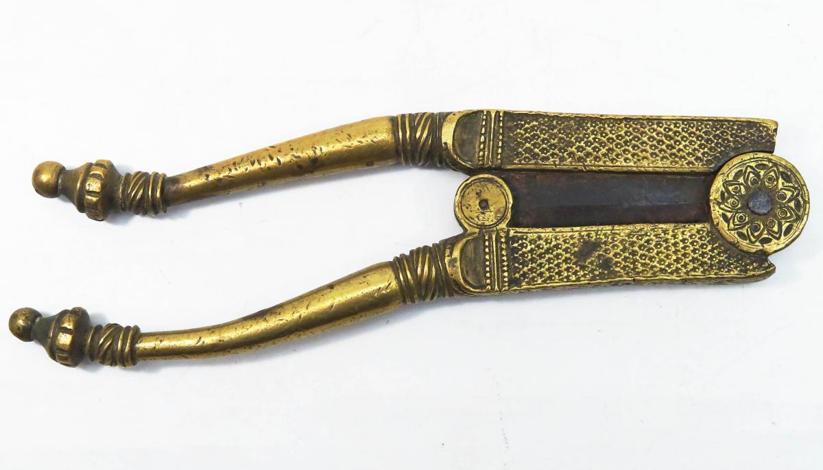 Betel Cutter Of Bronze Or Brass. India 1900. Supari.