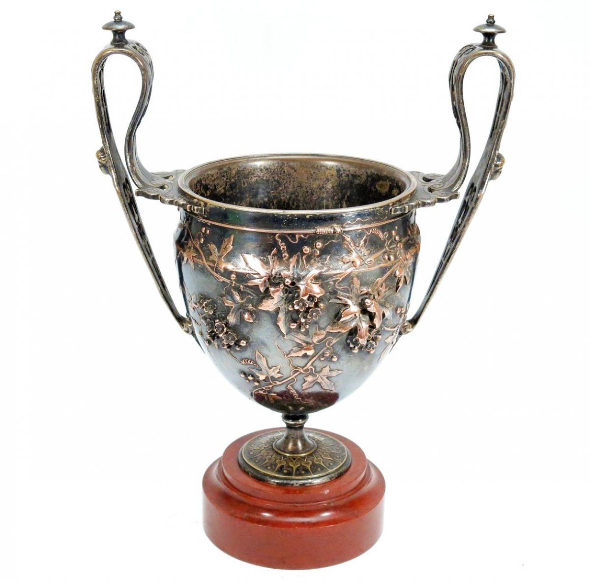 Vase canthare en bronze de Barbedienne et Sévin. 1866. Coupe à vin néo-classique.