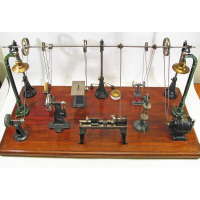 Usine électrique Miniature. Jouet 1920 en état de marche.