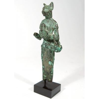 Bronze Statuette Of The Goddess Bastet. Egypt New Empire.