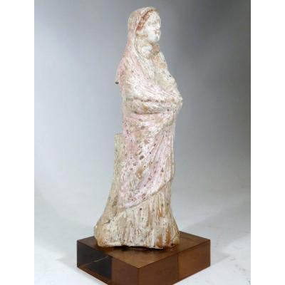 Statuette en terre cuite de Myrina. Grèce hellénistique. III ème siècle Av Jc.