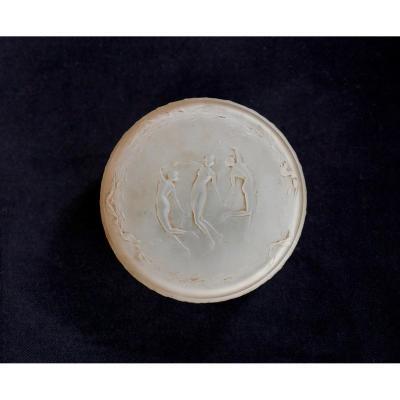 René Lalique, Powder Box In Satin Glass