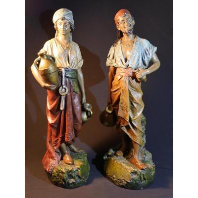 Sculpture en plâtre orientaliste - Couple de porteurs d'eau