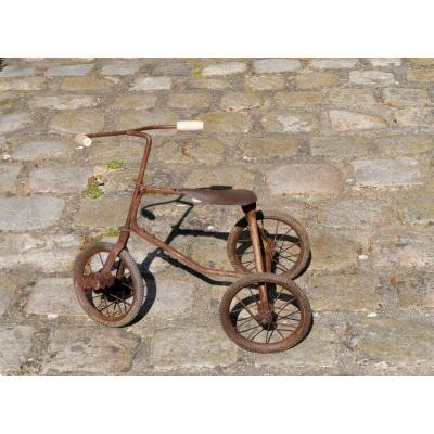 Vélo - Cycle - Tricycle d'enfant