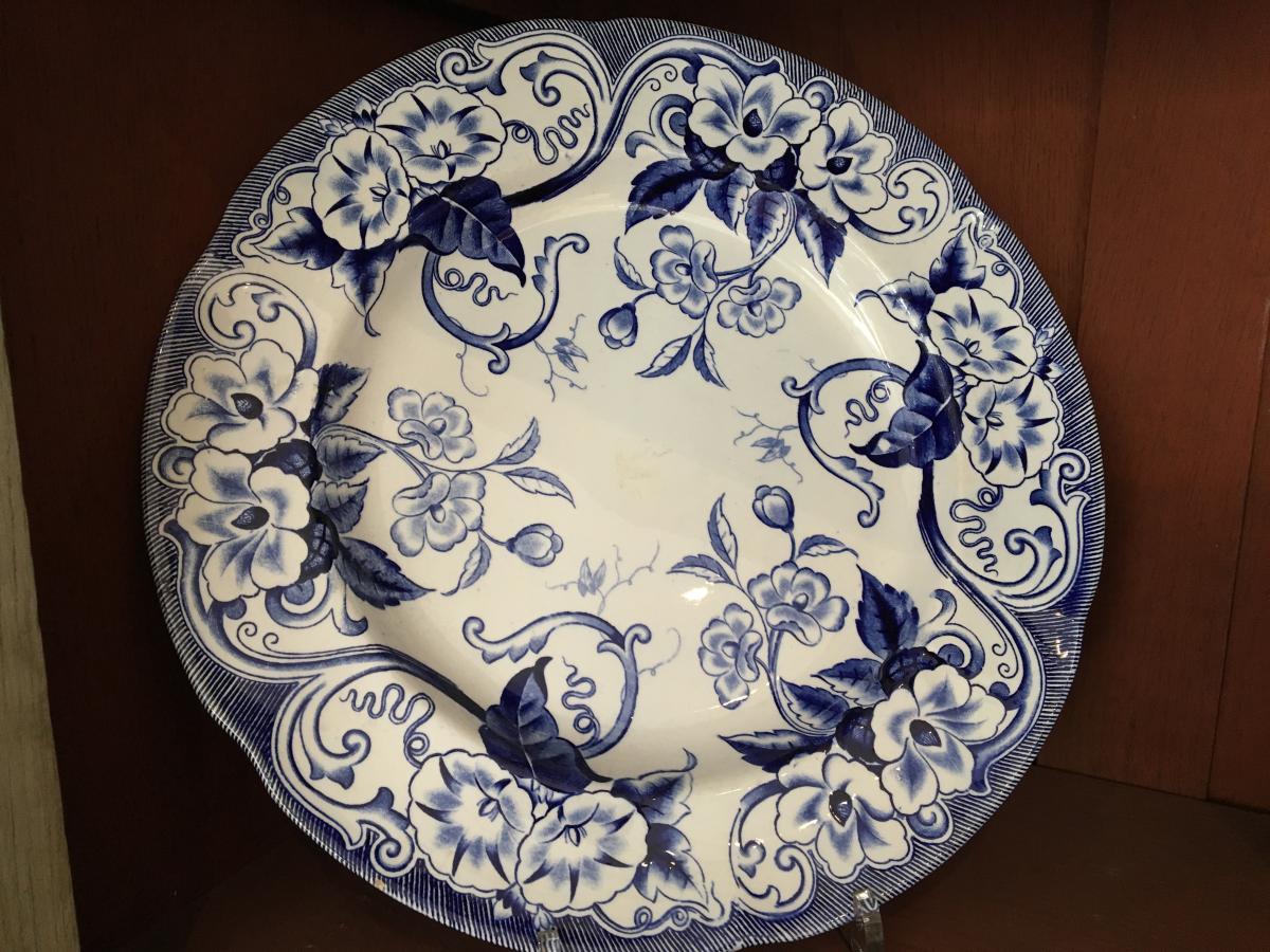 Creil And Montereau Flora-large Round Dish