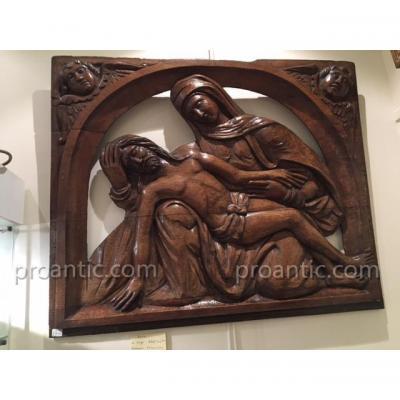 Pieta Du XVII Eme En Noyer