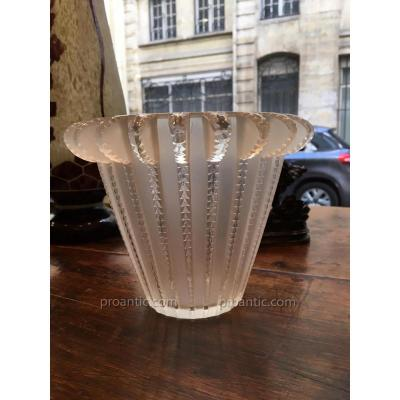 Vase En Cristal de Lalique -modele Royat