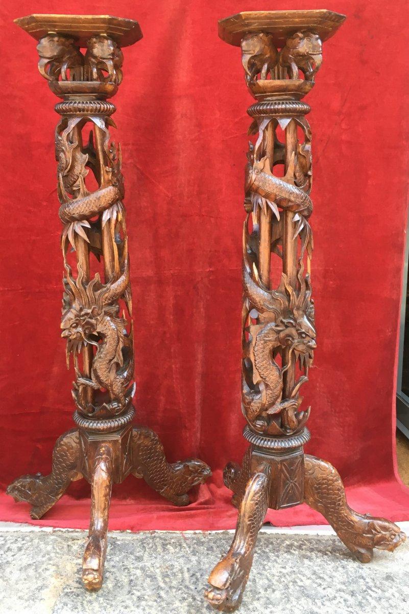 Paire De Sellettes En Bois Sculpté, Décor De Dragon. Indochine Vietnam Début XXe Siècle.