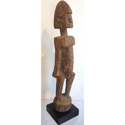 Statuette Afrique De l'Ouest à Patine Grise. Dogon, Mali. Début XXe Siècle.
