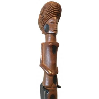 Lunda Or Lwena Stick. Wood With Clear Patina. Rdc - Angola. Mid 20th Century.