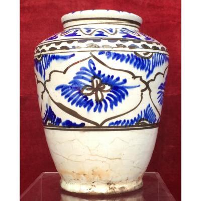 Vase céramique Perse, Qajar (Kadjar), Moyen Orient, Perse (Iran). XVIIIe siècle.