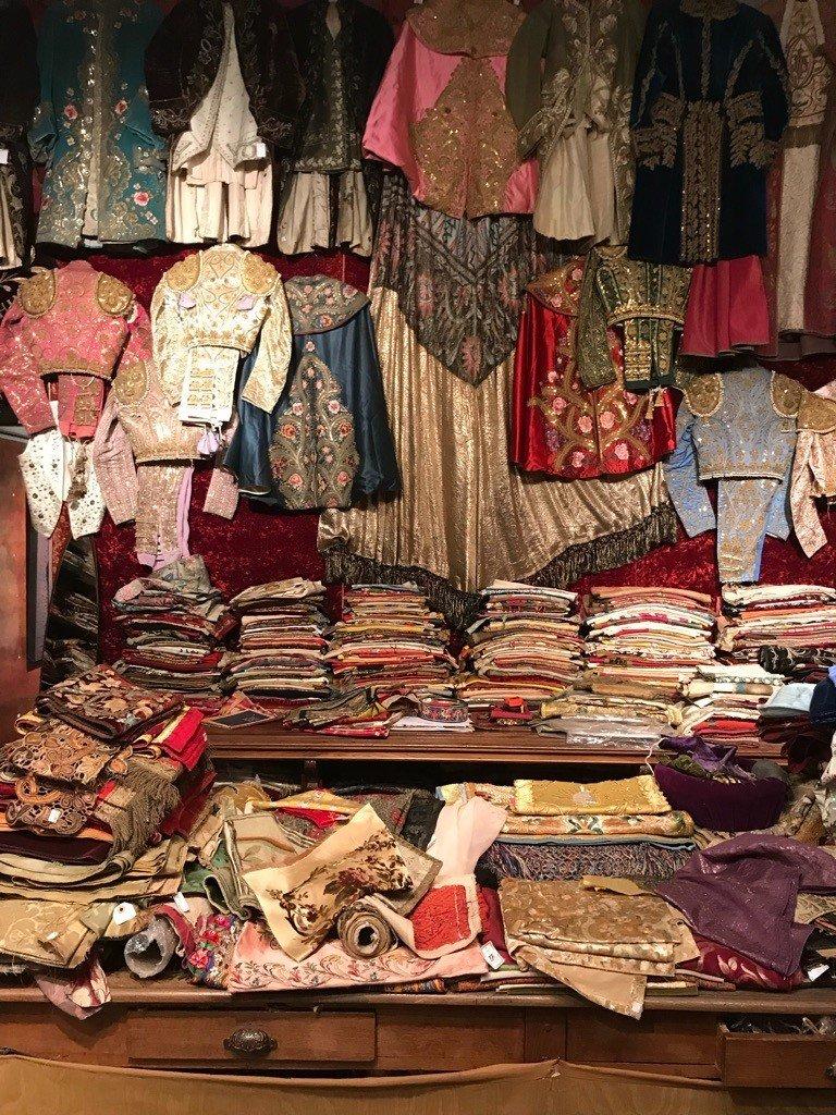 Galerie Leyla Ahi-textiles