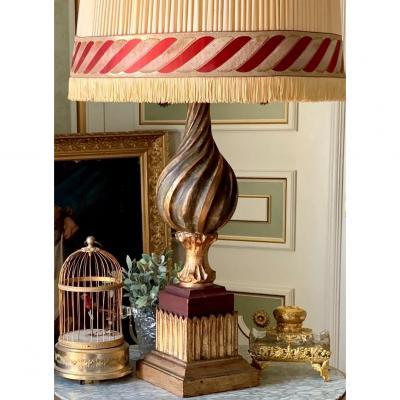 Grande Lampe En Bois Sculpté  Et Doré XXe Siècle