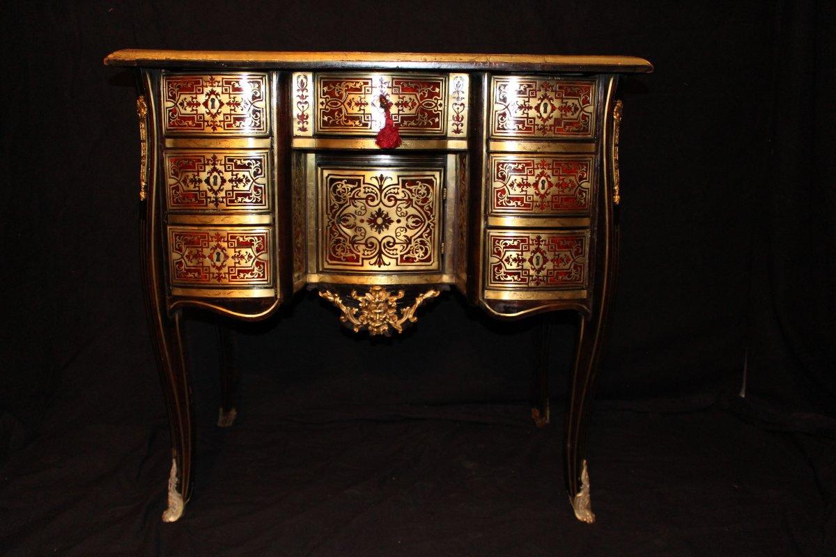 Rare Petit bureau  en marqueterie Boulle Epoque Louis XIV début XVIIIème  en placage d'écaille rouge et laiton (L85 cm / H 82 cm)