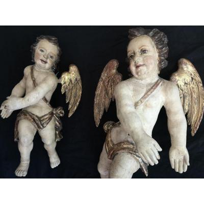 Grande Paire d'Anges En Bois Sculpté Polychromé Et Doré,  Espagne  XVIIème  ( H 68 Cm )