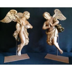 Paire d'Anges En Bois Sculpté Vernis XVIIème ( H 54 Cm)