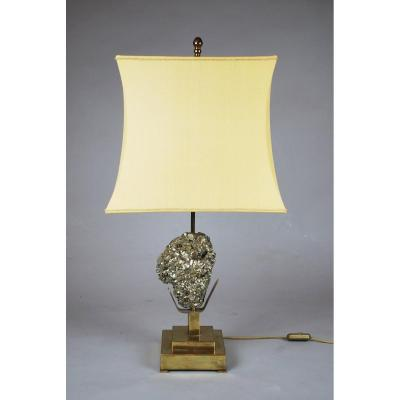 Accent Lamp Decorated With A Pyrite