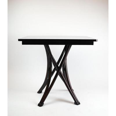 Thonet, Model Mikado N ° 14 Table, Circa 1890