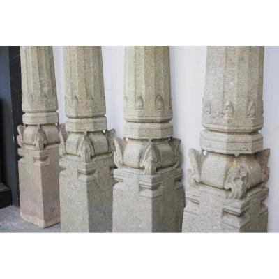 Ensemble De 4 Colonnes En Granit