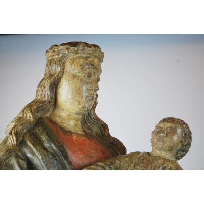 Vierge à l'Enfant En Bois Polychrome 15th