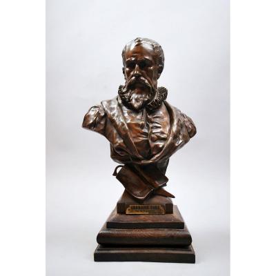 """PICAULT E. """"Buste de Ambroise Paré"""" Bronze à patine brune"""