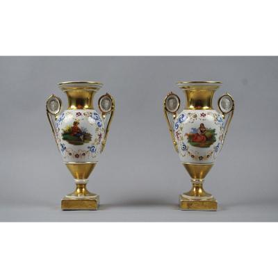 Paire De Vases Vieux Paris