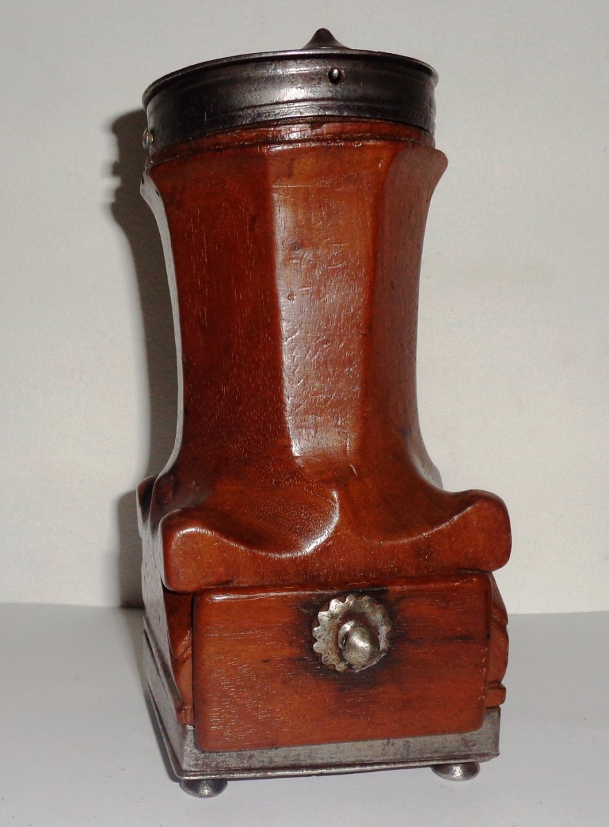 Coffee Mill, Said Louis XIV Eighteenth Time, In Walnut And Wrought Iron
