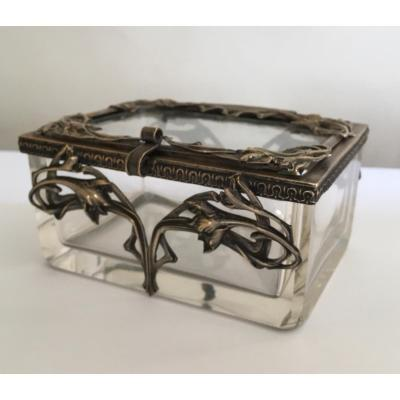 Art Nouveau Jewelry Box In The Guimar Hictor Taste