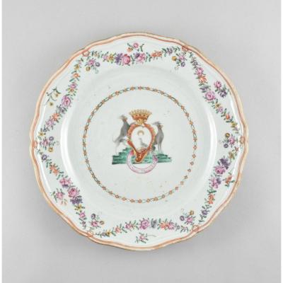 Assiette pour le marché espagnol ou français en porcelaine de Chine d'époque Qianlong