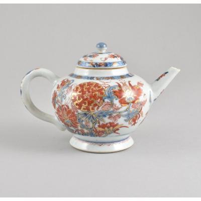 Théière Peinte Dans La Palette Imari En Porcelaine De Chine D'époque Kangxi