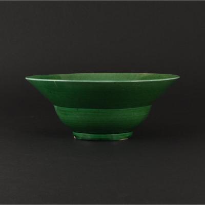 """Bol de forme """"ogee"""" en porcelaine de Chine d'époque Kangxi à glaçure verte"""
