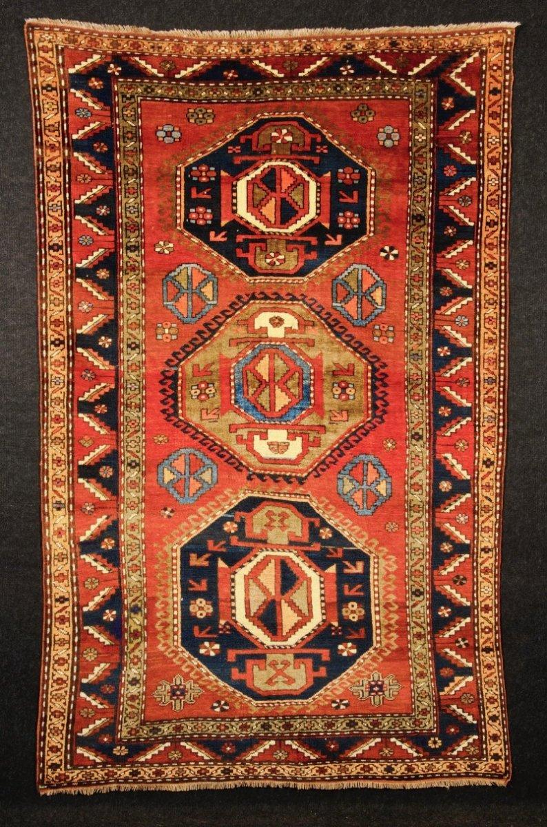 Kazak  Sud Caucase  2m43 X 1m54  Premier Quart XXe  Parfait état.