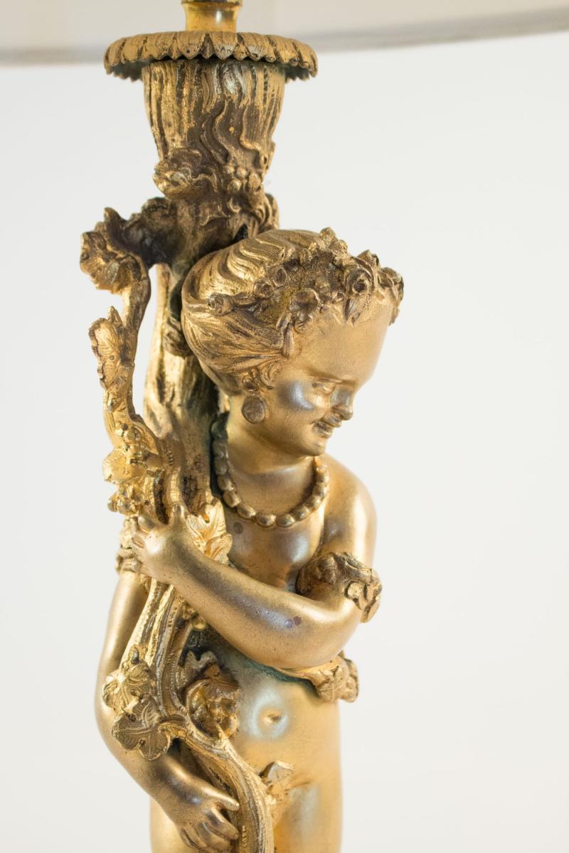 Lampe en bronze avec son jeune Bacchus tenant un pampre