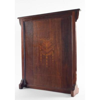 Mahogany Firewall With The Presence Of A Coat Of Arms