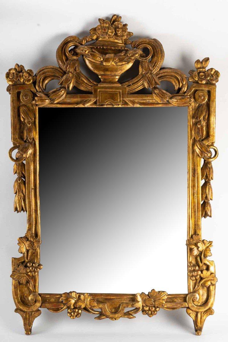 Miroir LOUIS  XVI        en bois doré