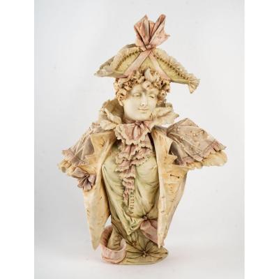 Buste En Biscuit :une élégante Au Chapeau( Art Nouveau 1900)