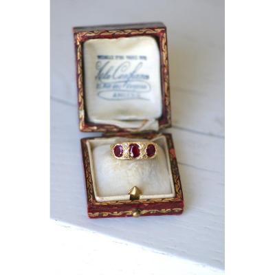 Bague Jarretière Or, Rubis Birmans, Diamants