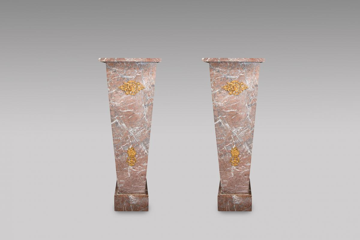 Red Marble Sheaths Of Decoration
