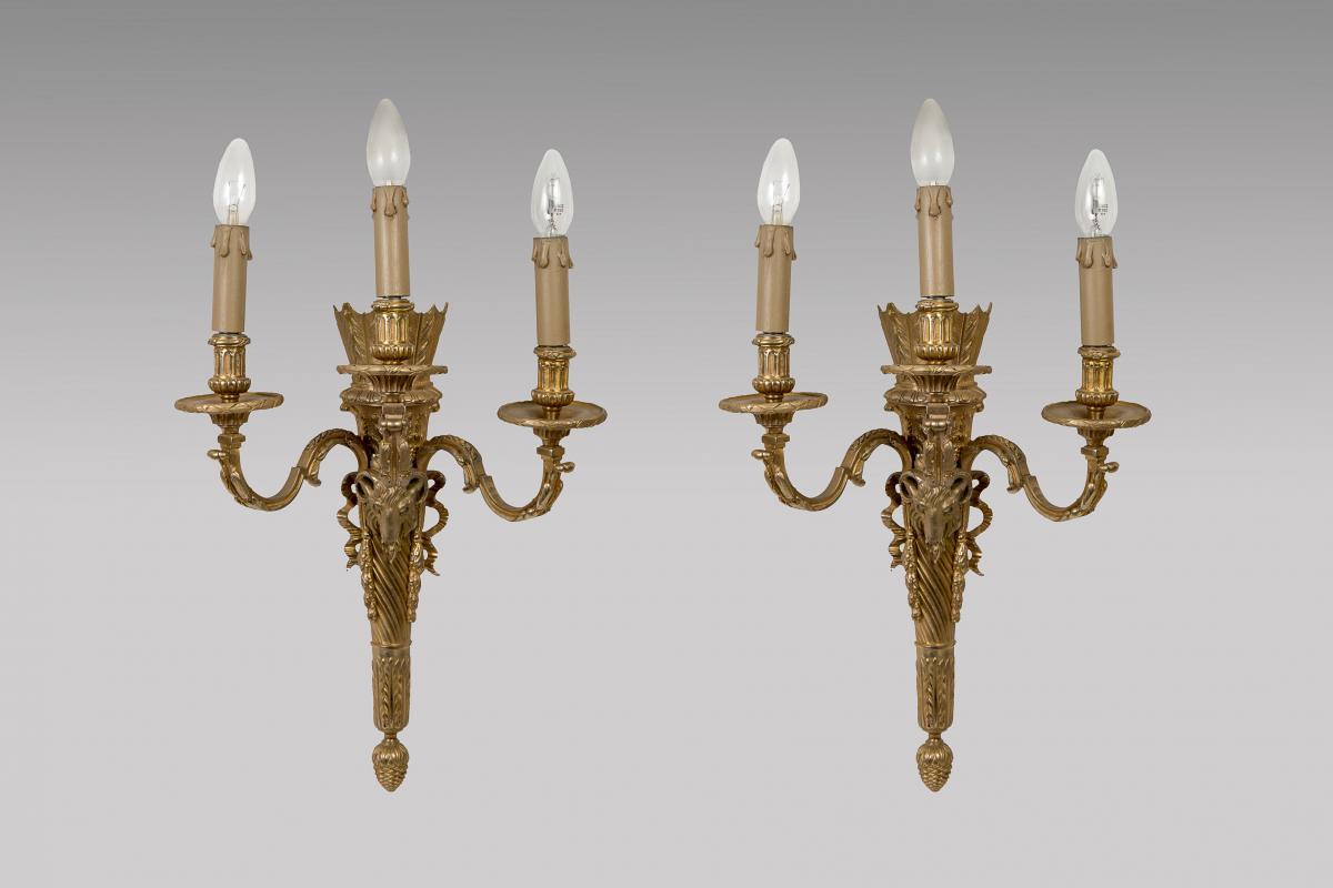 Appliques En Bronze Doré De Style Louis XVI Décor De Tête De Belier